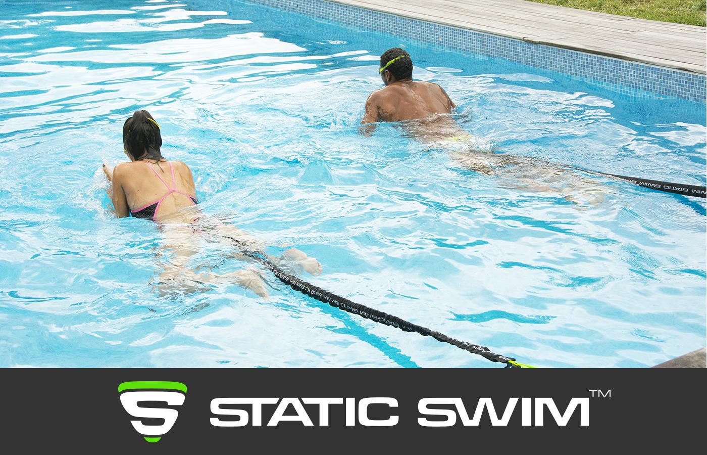 La meilleure expérience de nage sur place avec élastique dynamique™ STATIC SWIM™