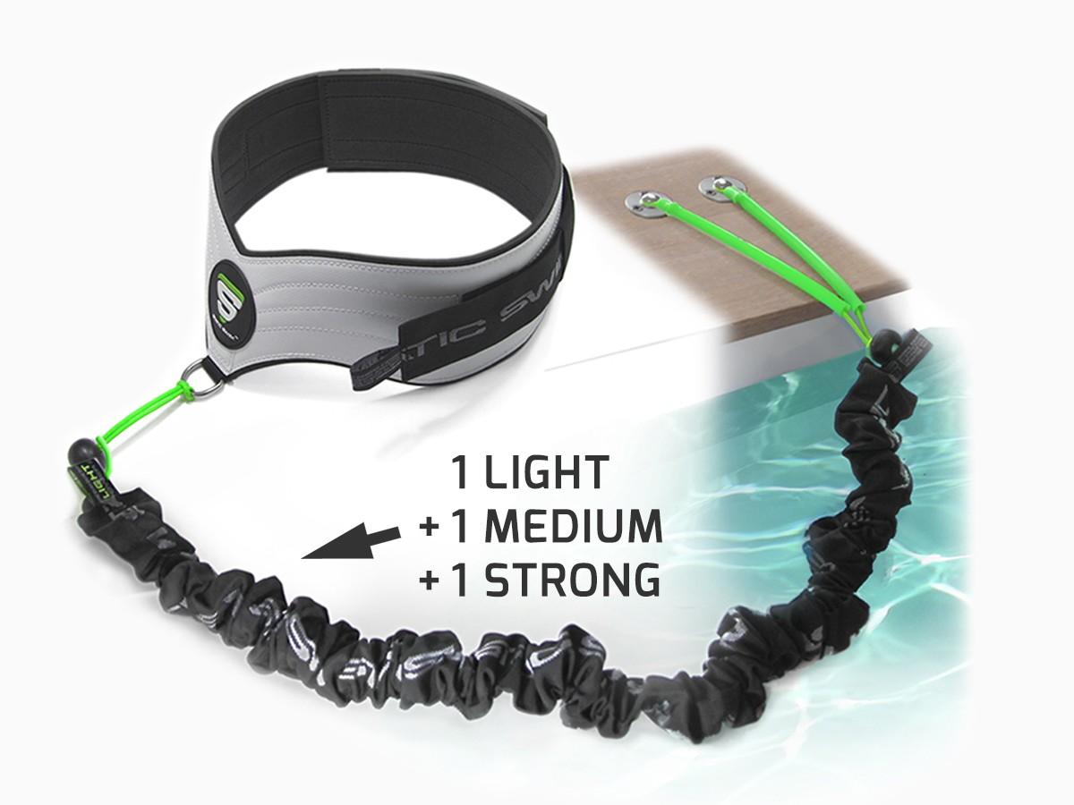 Contient : • La ceinture STATIC SWIM™ • Les trois élastiques de nage, LIGHT, MEDIUM et STRONG pour tous types d'utilisation • La fixation pour plages de piscine en bois