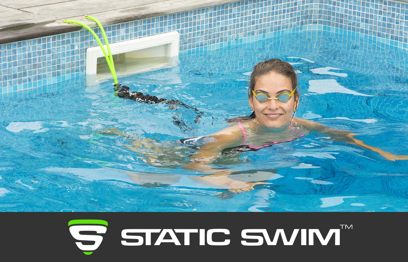 Nage sur place nageuse récupération